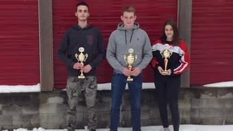 die Sieger im Einzel Junioren: 1. Volker Henn (MSSK), 2. Annik Ritter (MSSK), 3. Joana Brudermann (SOSV)