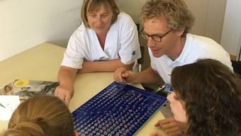 KSB-Chefarzt Leonhard Schäffer analysiert zusammen mit Hebammen die Geburtsstatistik.