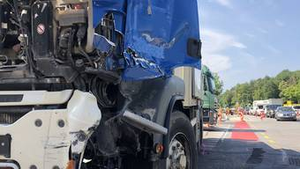 Zwei Lastwagen prallten in der Frauenfelderstrasse zusammen. Es entstand hoher Sachschaden.
