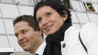 Pascale Bruderer an der Seite ihres Ehemannes Urs Wyss in Aarau.
