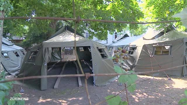 Pilotprojekt: Asylsuchende müssen in Zelten hausen