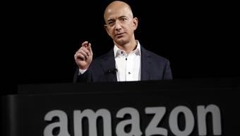 Amazon-CEO Jeff Bezos will einem Zeitungsbericht zufolge den arrivierten US-Detailhändlern das Fürchten lehren.