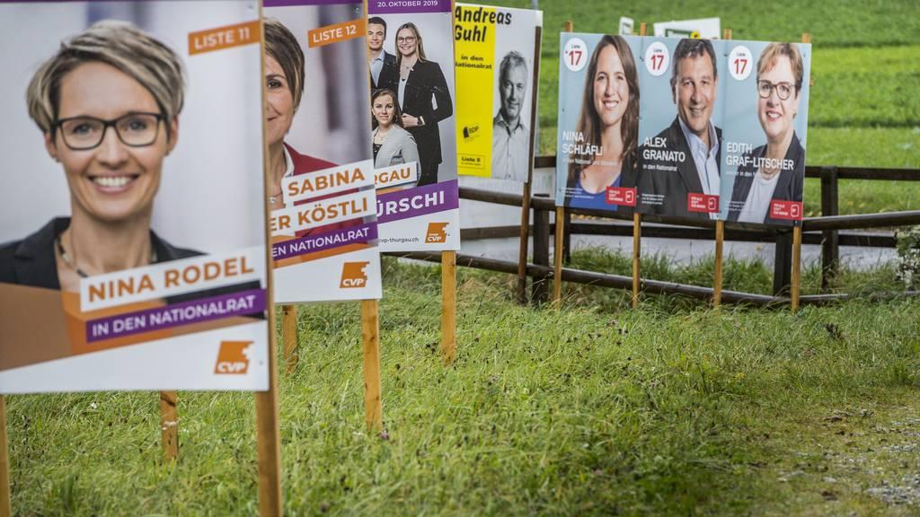 Bald schliessen die Wahllokale