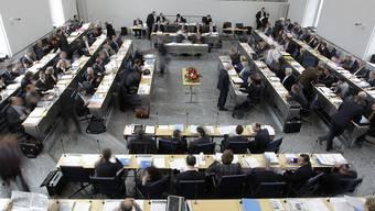 Steuerpanne im Bündner Parlament: Alle Grossrätinnen und Grossräte müssen Nachsteuern bezahlen. (Archivbild)
