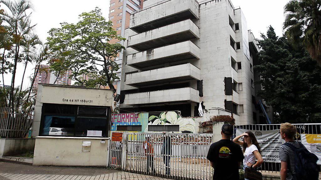 Das letzte Domizil des kolumbianischen Drogenbarons Pablo Escobar in Medellín kurz vor seiner Sprengung.