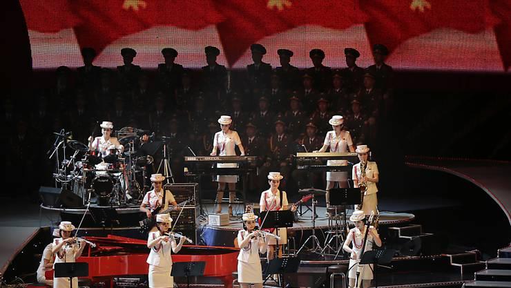 Nordkoreas populärste Musikgruppe: Die Girl-Band Moranbong, deren Mitglieder von Machthaber Kim Jong Un persönlich ausgewählt werden. (Archivbild)