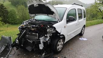 Reigoldswil Unfall PW Anhänger