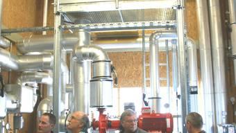 Von der Übergabezentrale aus fliesst das Fernwärmewasser durch 1,7 Kilometer lange Druckleitungen in Richtung Rheinfelden, um danach in das nochmals fast 2 Kilometer lange Netz zu den Endabnehmern zu gelangen. (ach)