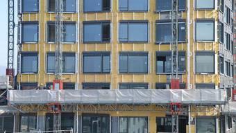 """Nach der Aktion am Limmattower stand die Baustelle für die Genossenschaftssiedlung """"Mattenhof"""" in Zürich-Schwamendingen am Freitagmorgen für zwei Stunden still. (Symboldbild)"""
