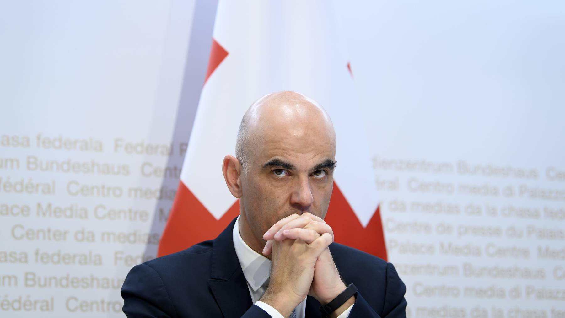 «Lage unter Kontrolle»: Bundesrat Alain Berset verteidigte im Westschweizer Fernsehen RTS seine Politik.