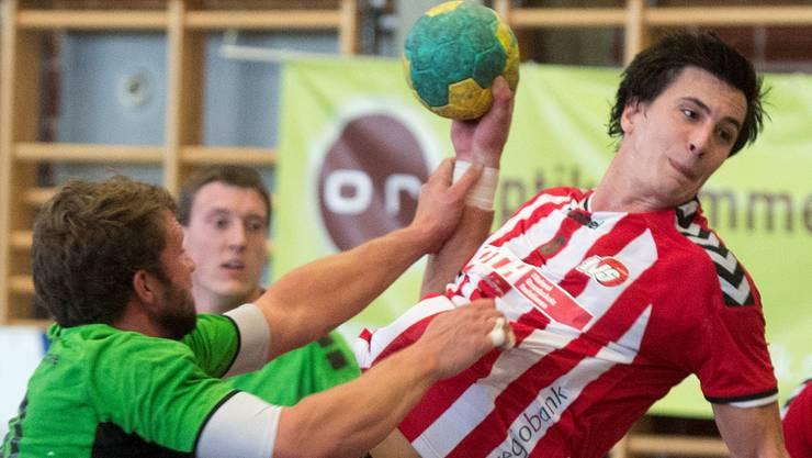 Martin Beer (am Ball) erzielte fünf Tore gegen Wacker Thun.