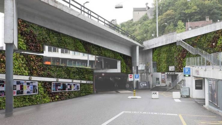 Vor dem Eingang zur «Blinddarm»-Unterführung plant die Stadt «vertikale Begrünungen» vor. Die Grünen fordern mehr solche Projekte. (Visualisierung)