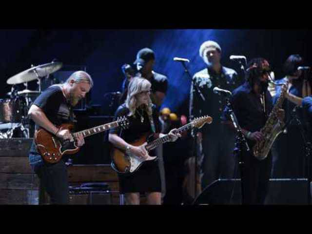 """Tedeschi Trucks Band - """"Keep On Growing"""" - Live From The Fox Oakland"""