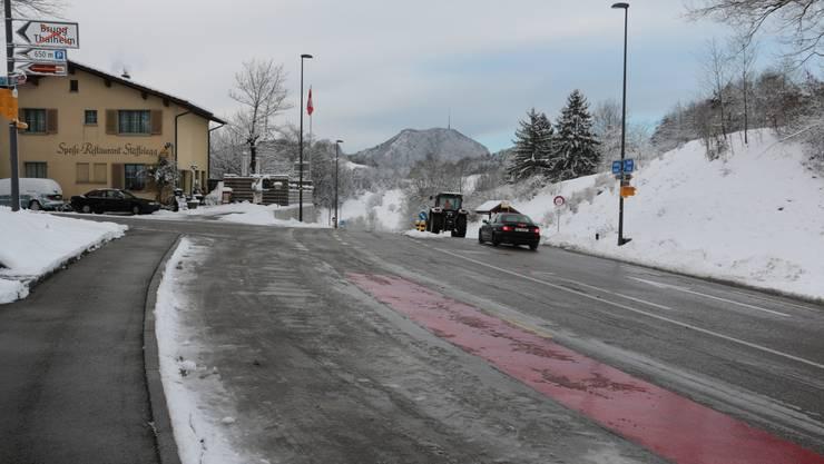 Die Staffeleggstrasse war am Freitagmorgen für mehrere Stunden gesperrt.