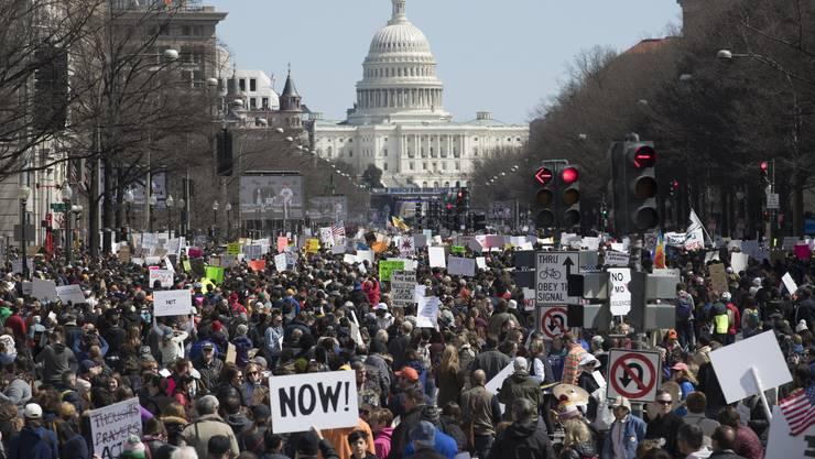 Tausende beteiligen sich in Washington am March For Our Lives gegen Waffengewalt in den USA.