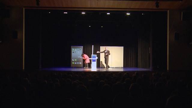 Roboter übernehmen Bühnenshow