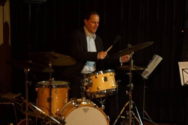 Der Schlagzeuger des Karin Berry Quartetts