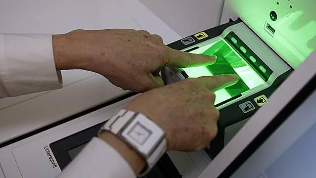 Sven Altermatt: «Wenn der Staat über die Fingerabdrücke aller Bürger verfügt, stellen sich Fragen rechtsstaatlicher Natur.» (Archivbild)