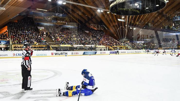 Gregory Sciaroni verletzte sich in der Partie gegen Team Canada nach einem Check in die Bande