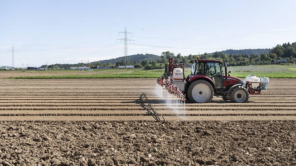 Schutz vor Dünger und Pestiziden: St. Galler Kontroll-Wirrwarr