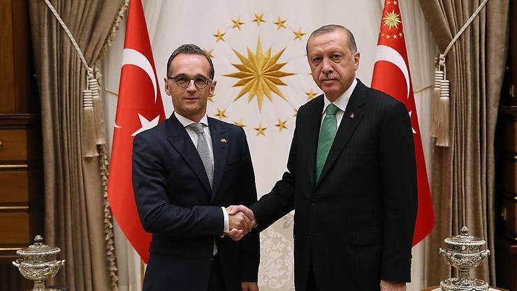 Nach monatelangem Streit wollen sich Deutschland und die Türkei wieder annähern. Am Mittwoch traf der deutsche Aussenminister Heiko Maas (links) in Ankara auch den türkischen Präsidenten Recep Tayyip Erdogan.