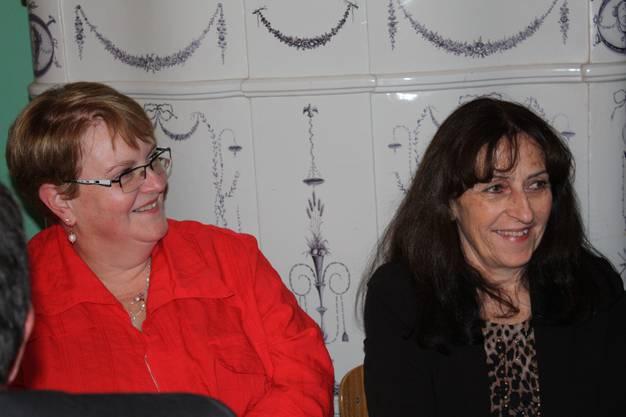 Silvana Richner (re), Gemeindeammann Hunzenschwil, und Kanzlerin Colette Hauri
