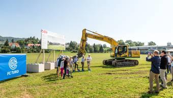 Baustart für den neuen Fussballplatz in der Oberau