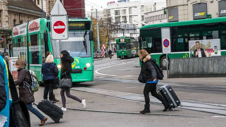 Spiessrutenlauf am Centralbahnplatz