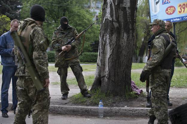 Die pro-russischen Aktivisten leisten heftigen Widerstand.