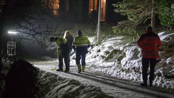 Gestern Nachmittag kam es in Zeiningen zu einem schweren Schlittelunfall. Drei Kinder wurden bei einer Kollision mit einem Auto verletzt, eins davon schwer. Was der Autofahrer zum Unfallhergang sagt.
