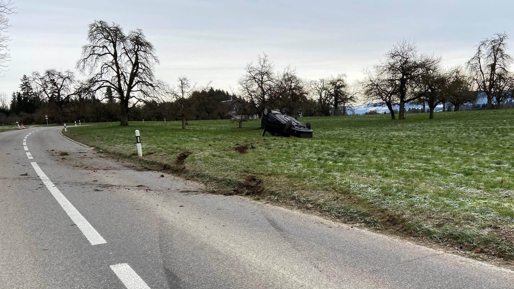 Beim Unfall wurde die Autofahrerin verletzt.