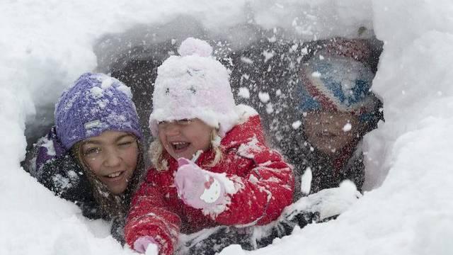 Das offenbar beste Winterbild des Sonntages von Keystone-Fotograf Marcel Bieri