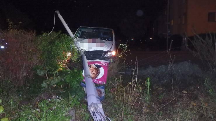 Neuenhof AG, 11. November: Ein Autofahrer schlief am Steuer kurz ein, verlor die Kontrolle über sein Fahrzeug...