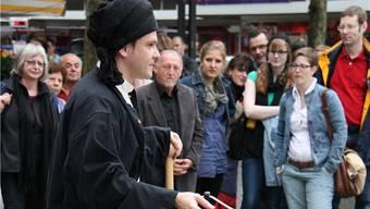 Arthur Roscha versetzt beim Holzmarkt die Zuschauer in Staunen.