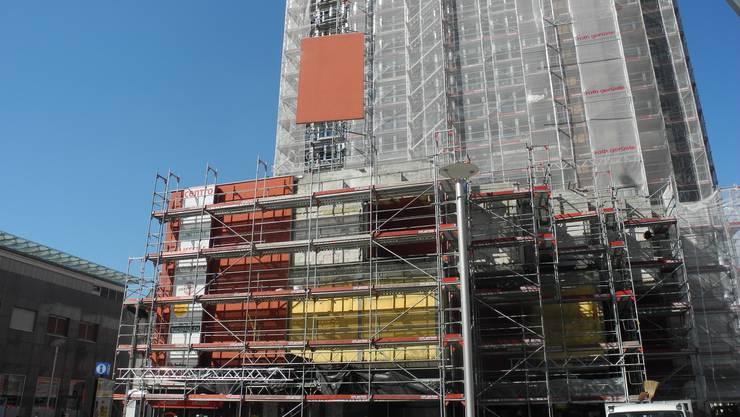 Das Grenchner Hochhaus erhält eine neue Fassade