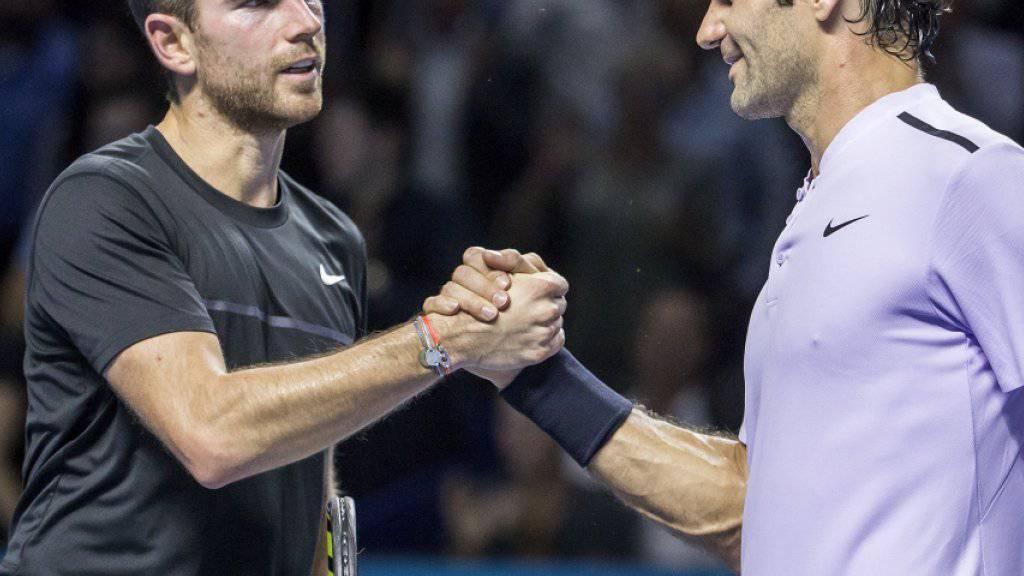 Roger Federer hatte gegen Adrian Mannarino im Viertelfinal der Swiss Indoors hart zu kämpfen und trifft nun auf den Belgier David Goffin