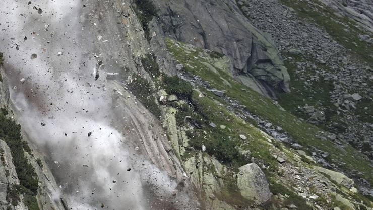Der Steinschlag ging auf der rechten Uferseite des Gelmersee nieder.