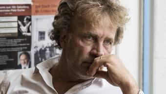 Der Oltner Schriftsteller Alex Capus in seiner Beiz: Das Galicia ist sein Arbeits- und Fluchort zugleich. (Archivbild)