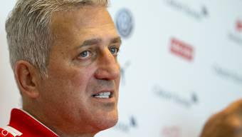 Der Schweizer Nationaltrainer Vladimir Petkovic spricht beim Nati-Zusammenzug am Montag in Pratteln zu den Medien
