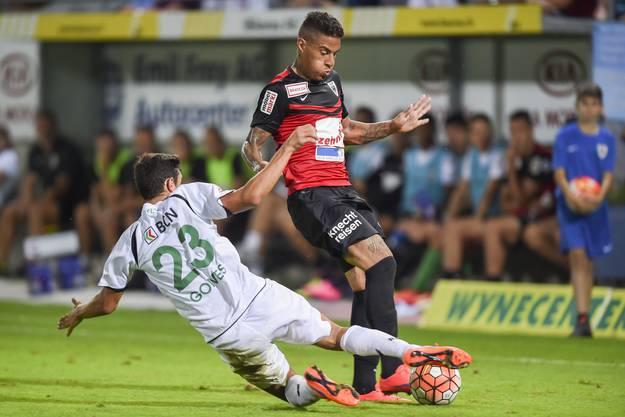 Carlinhos (rechts) gegen Mike Gomes.