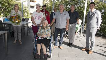 Frau Landammann Brigit Wyss und Staatsschreiber Andreas Eng überbrachten die Glückwünsche des Regierungsrates persönlich.