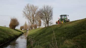 Ein Grossteil der Gewässerbelastung ist den Pflanzenschutzmitteln aus der Landwirtschaft zuzuschreiben – auch im Limpach.