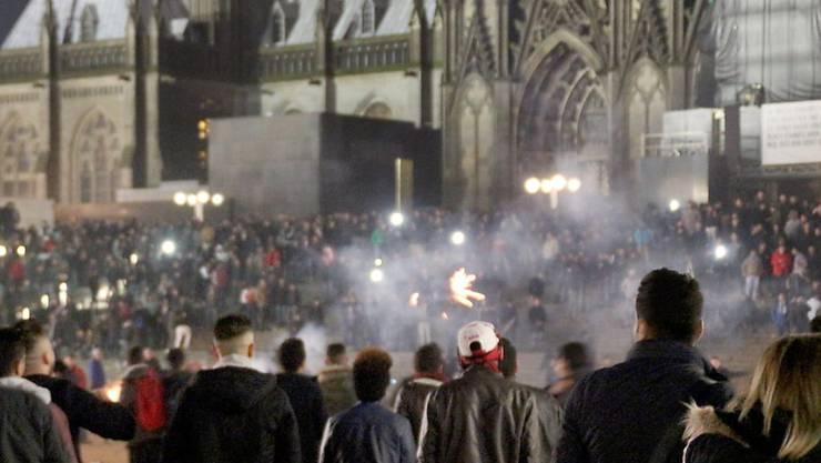 Szene in der Silvesternacht in Köln: Einer der Haupttäter wurde nun in Kreuzlingen verhaftet.