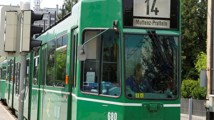 Die Tramlinie 14 soll bis 2031 von Pratteln BL aus bis nach Augst BL verlängert werden. Das Baselbieter Parlament bewilligte 17,1 Millionen Franken für das Vorhaben.