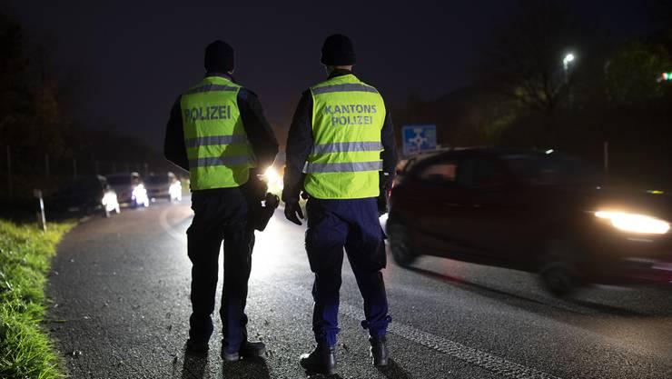 Die Kantonspolizei Aargau hat eine unruhige Nacht hinter sich. (Symbolbild)