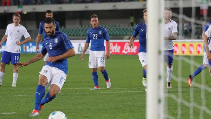 Antonio Candreva versenkt seinen Penalty im Netz