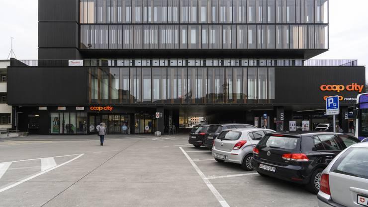 «Gelungener Umbau und für Baden typisch»: Das Coop-City-Haus (früher EPA) mit seiner Durchfahrt zur Bahnhofstrasse habe durch die neue Fassade deutlich dazugewonnen.