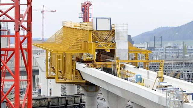 Die Letzigrabenbrücke im Bau