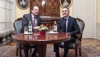 Ein Arbeitstreffen in entspannter Atmosphäre: Bundesrat Ignazio Cassis hat am Donnerstag in Bern den österreichischen Aussenminister Alexander Schallenberg getroffen.