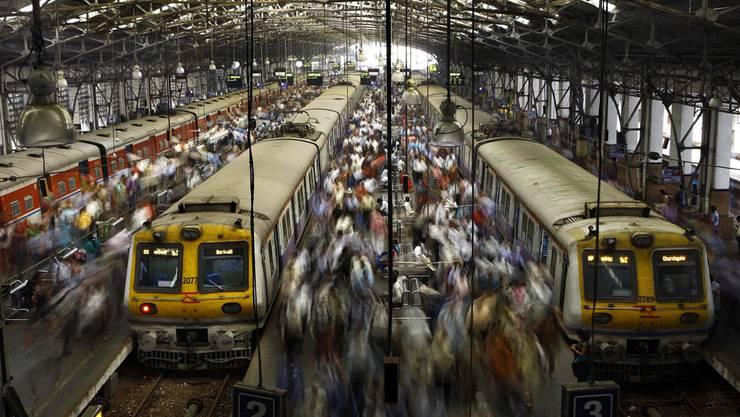 In Indien kam es zu zwei Zugunglücken und 14 Toten.